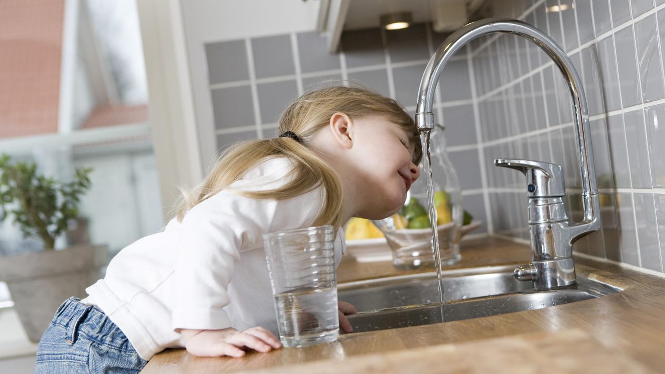 Mineralwasser ist gesünder als Leitungswasser