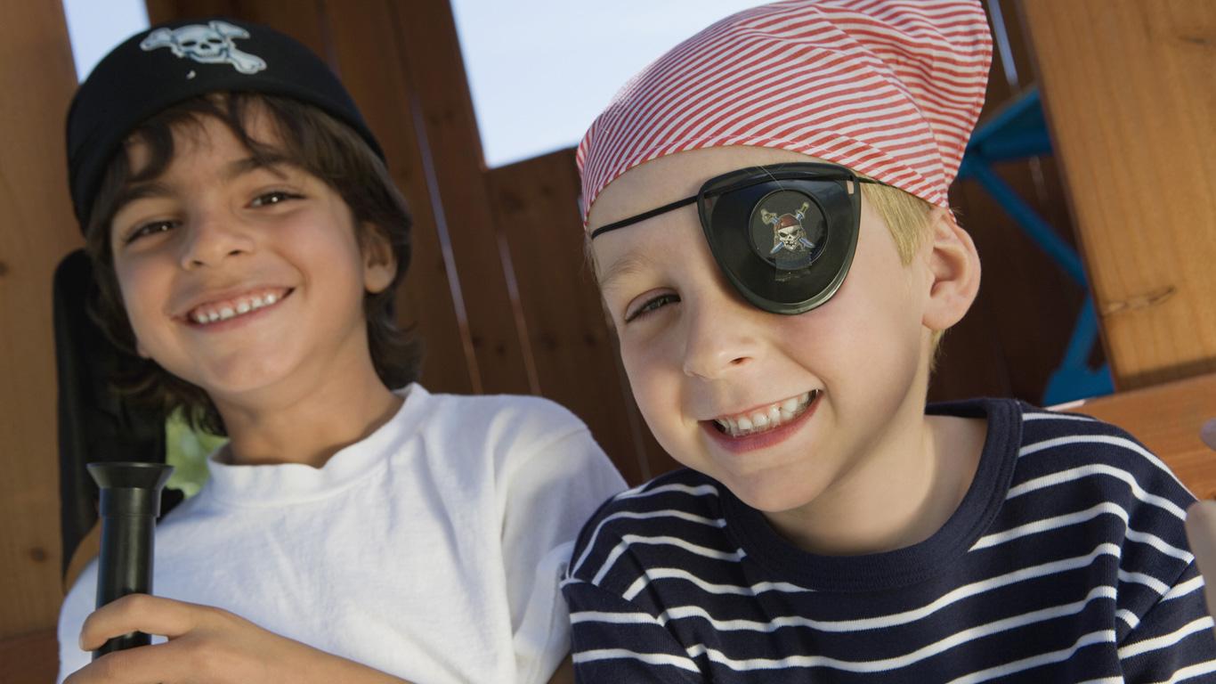 Ist es gefährlich, wenn Kinder eine Augenklappe tragen?