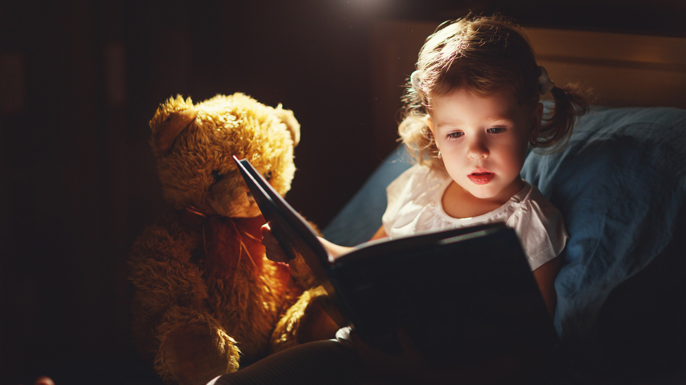 Schadet Lesen im Dunklen den Augen?