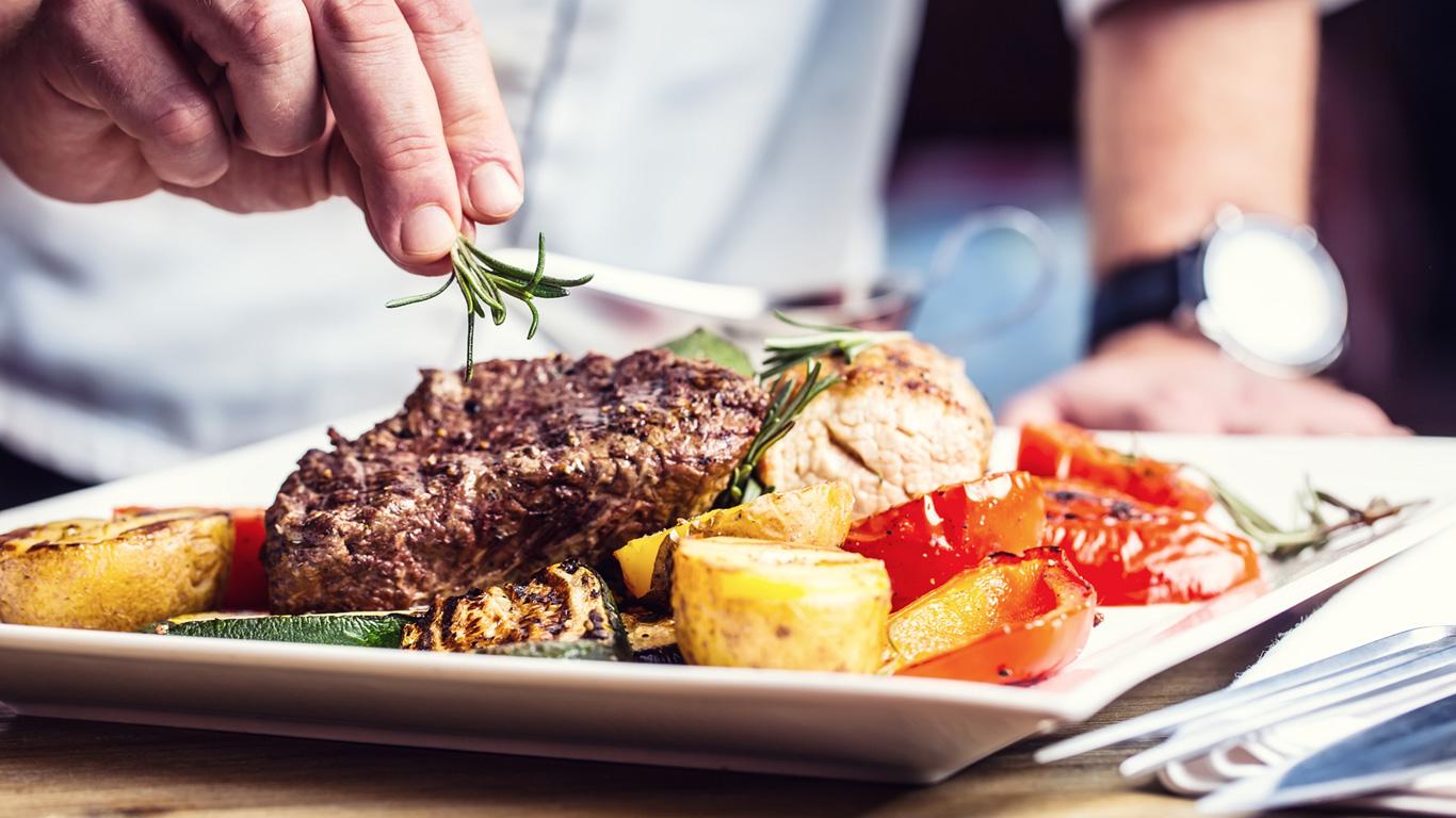 Isst man von größeren Tellern mehr?