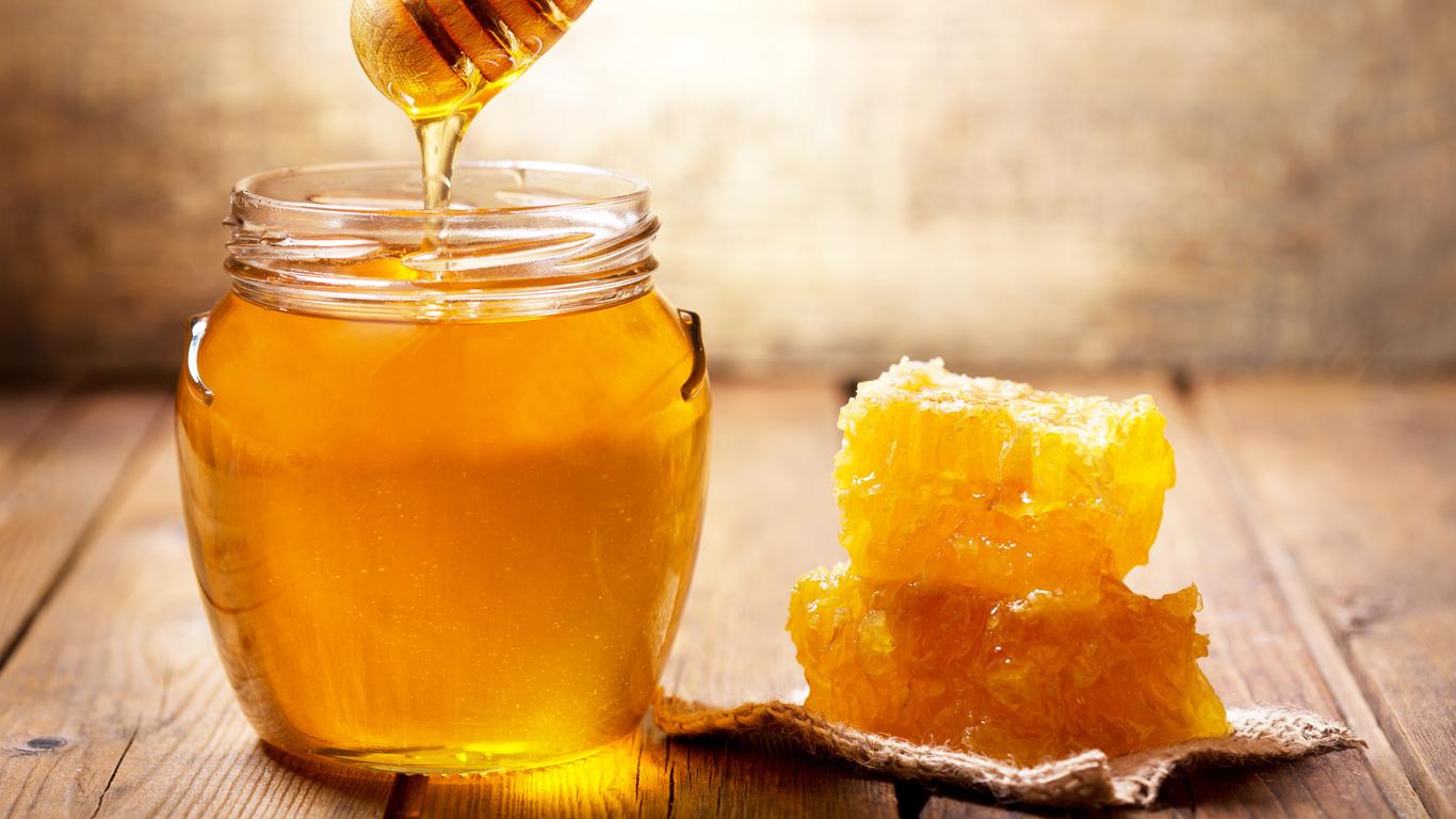 Honig und Zahnpasta