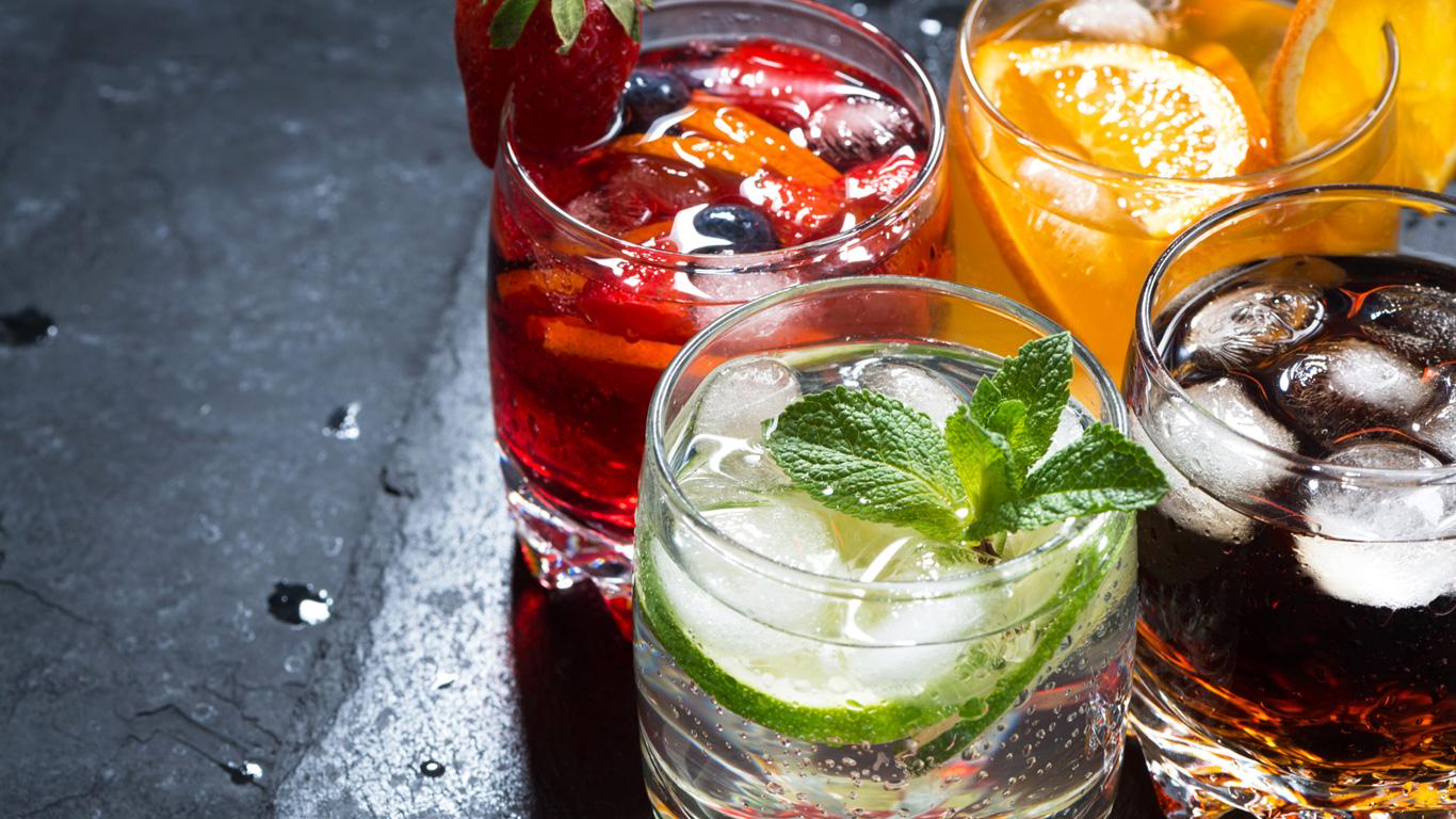 Tipp 2: Wasser, Saft und Cola zwischendurch