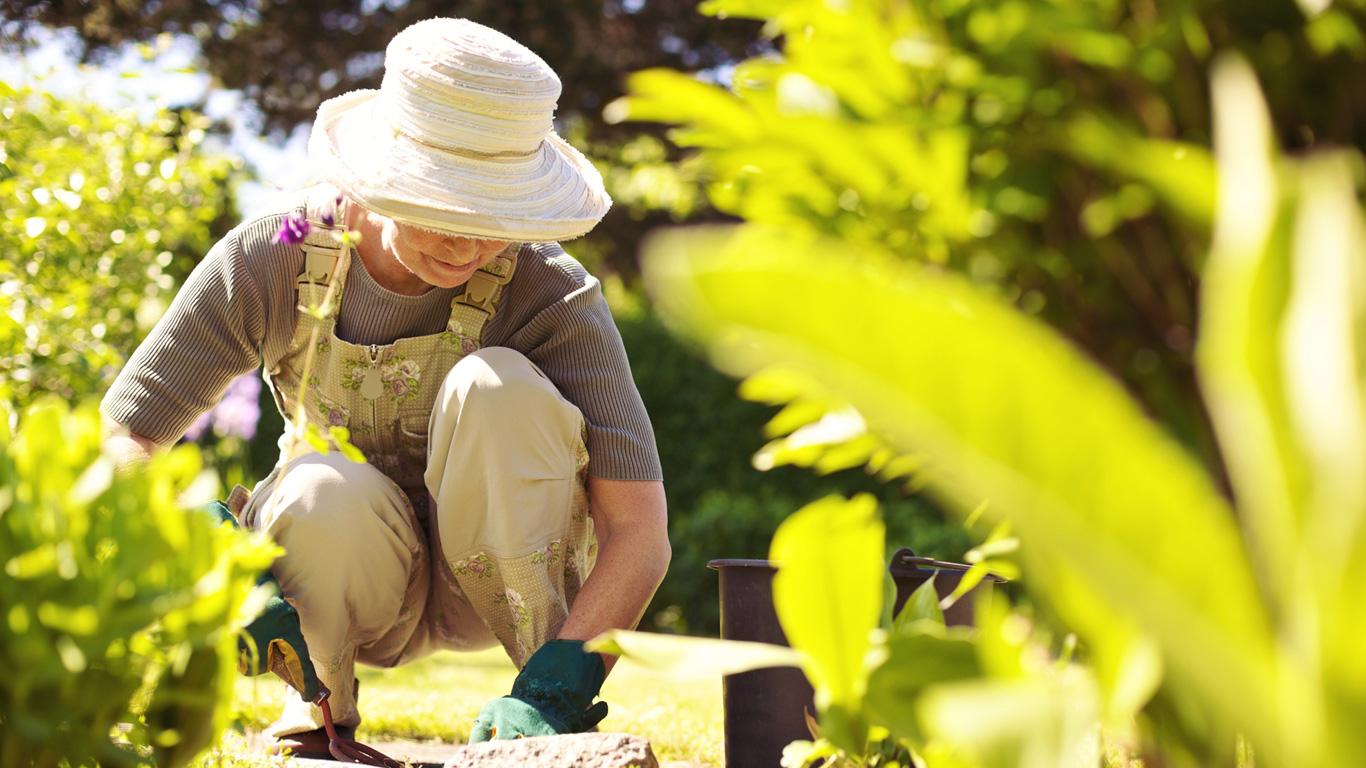Ältere Menschen sollten hockende Tätigkeiten möglichst vermeiden