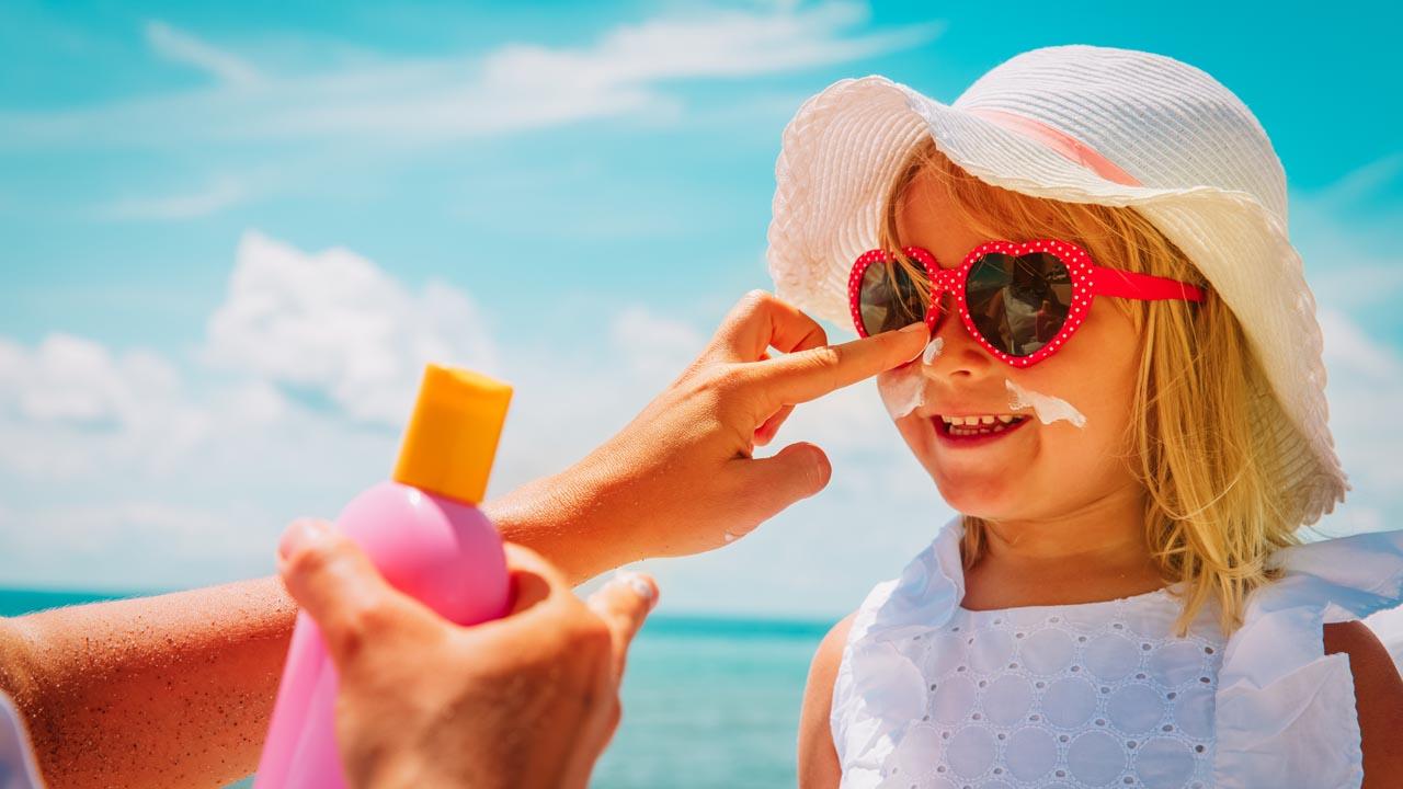 Babys und Kinder vor der Sommersonne richtig schützen!